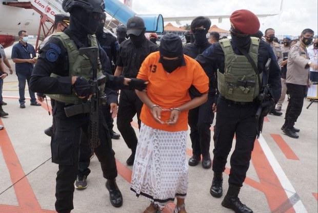 Polisi: 13 Terduga JI yang Ditangkap di Riau Sembunyikan Buronan Teroris