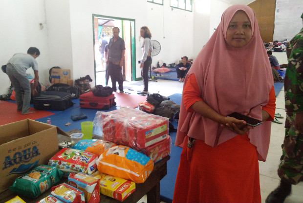 Dewi saat berada di lokasi pengungsian Kompleks Yonif Raider 571 di Sentani, Jayapura, Papua, 2 Oktober 2019. (Putra Andespu/BeritaBenar)