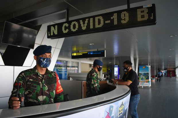 TNI, Polri Kerahkan 80.000 Personel, Bantu Vaksinasi dan Lacak Penderita COVID-19