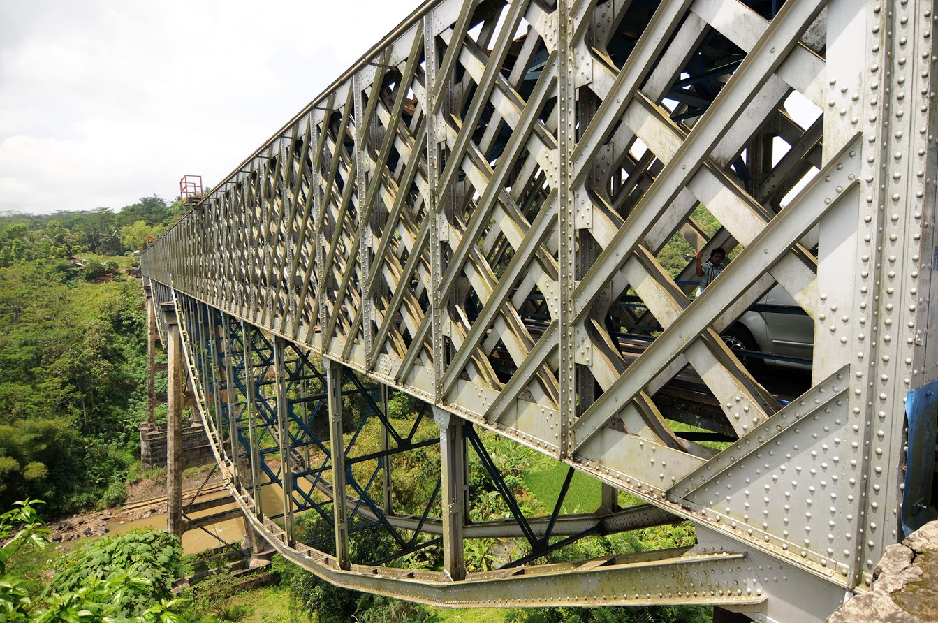 Menengok Jembatan Peninggalan Belanda