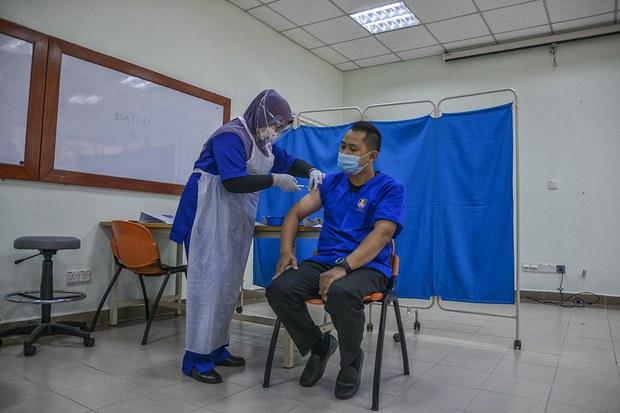 Malaysia Akan Teruskan Program Inokulasi Guna Vaksin AstraZeneca