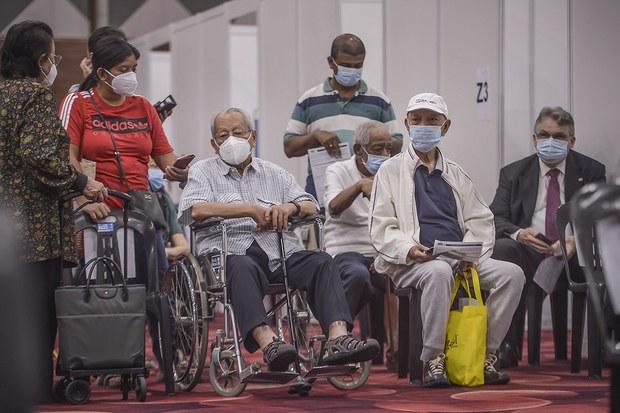Kegusaran Awam: Malaysia Henti Guna AstraZeneca Dalam Program Imunisasi