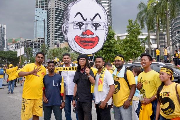 Malaysia Siasat Pelukis Grafik Berhubung Karikatur Kritik Menteri Kesihatan