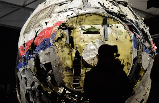 151013-MY-MH17-620
