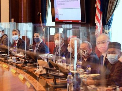Perdana Menteri Malaysia Muhyiddin Yassin mempengerusikan Mesyuarat Jemaah Menteri di Putrajaya, Malaysia, 31 Mac 2021.