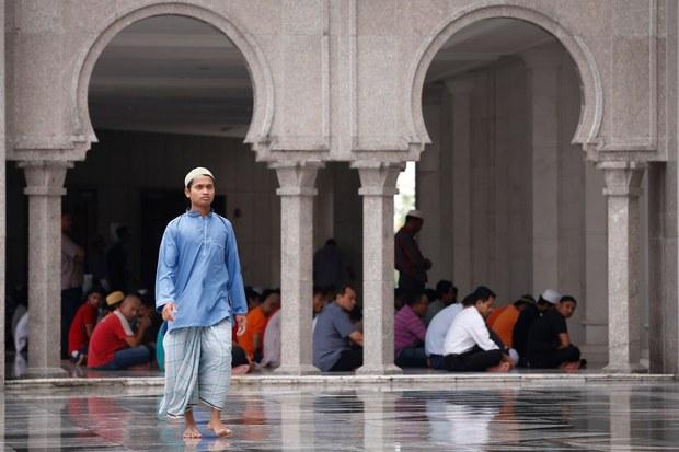 191202-MY-Solat-Islam1000.jpg