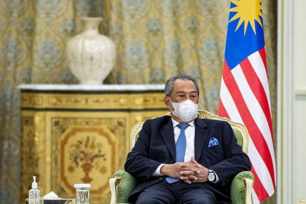 UMNO Tarik Balik Sokongan Terhadap PM, Tuntut Muhyiddin Berundur