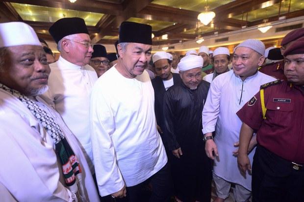 Ahmad Zahid: UMNO Pertimbang Putus Hubungan Dengan PAS