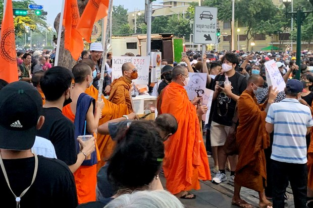 201112-TH-monks-protests-1000.jpg