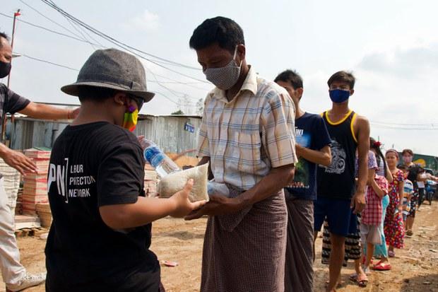 เอ็นจีโอ : แรงงานข้ามชาติในไทยกว่า 5 แสนคน จะผิดกฎหมาย ถ้ารัฐไม่แก้ไข