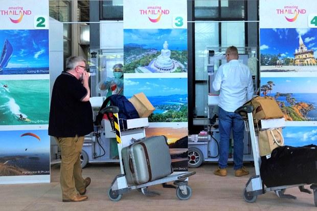นักธุรกิจยินดีรัฐเปิดรับนักท่องเที่ยว ชี้ธุรกิจไม่ฟื้นตัวไว