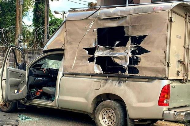 คนร้ายปล้นรถทำคาร์บอม หมายระเบิด สภ.รามัน
